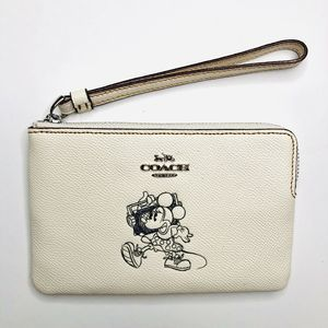 COACH Corner Zip Wristlet With Minnie Mouse NEW